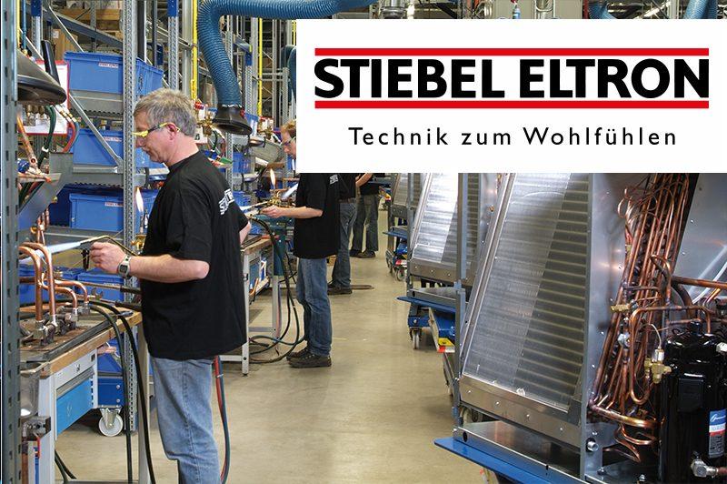 Stiebel Eltron Mitarbeiter mit Logo